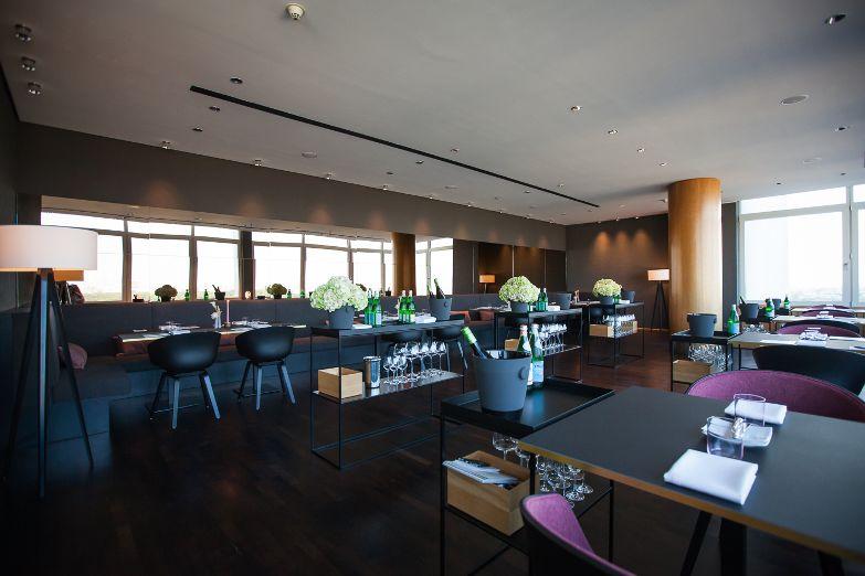 Hugos-Restaurant-72dpi.jpg