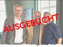 MÄNNER, DIE AUF'S WASSER STARREN